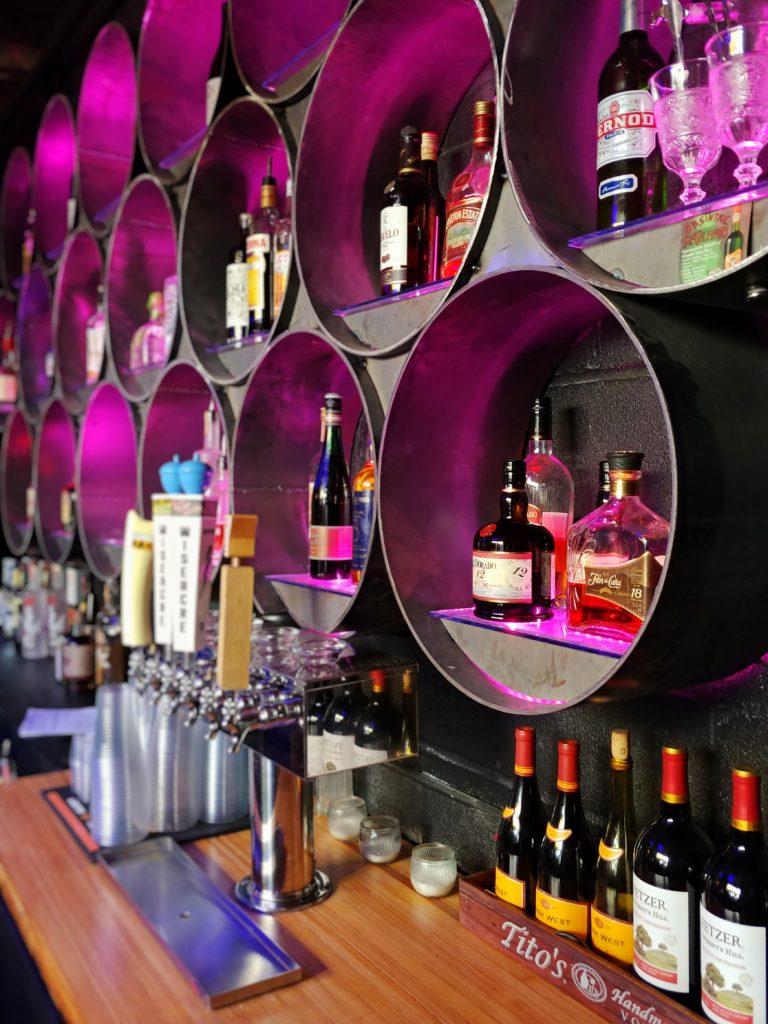 Railgarten memphis bar bar games