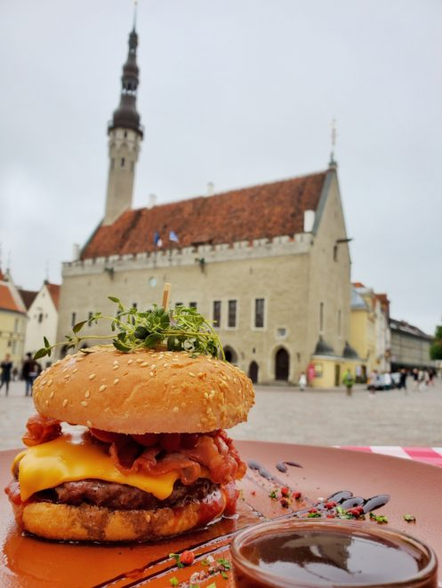 places to eat in tallinn