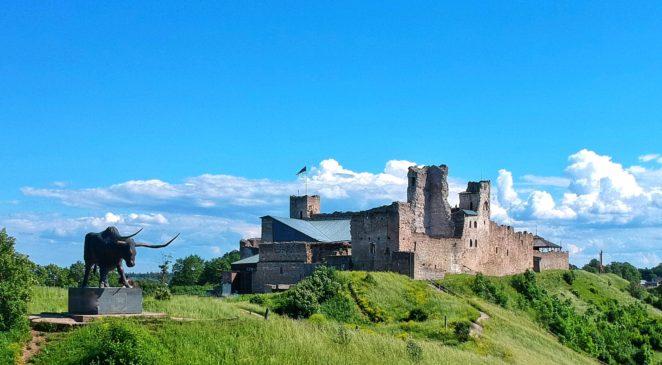 rakvere castle baltic travel itinerary